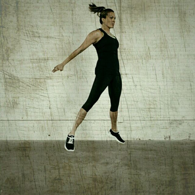 How to do: Hip Thrust Squat Jumps - Step 3