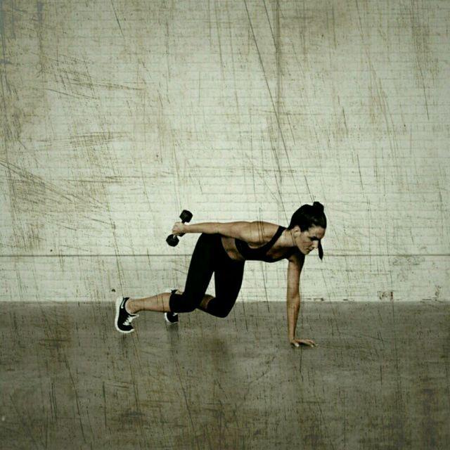 How to do: Hover Triceps Kickbacks - Step 3