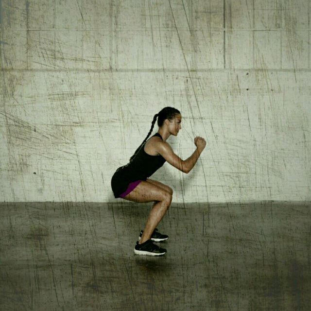 How to do: 180 Degree Squat Flips - Step 2