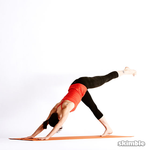 How to do: Left Knee to Chest - Step 2