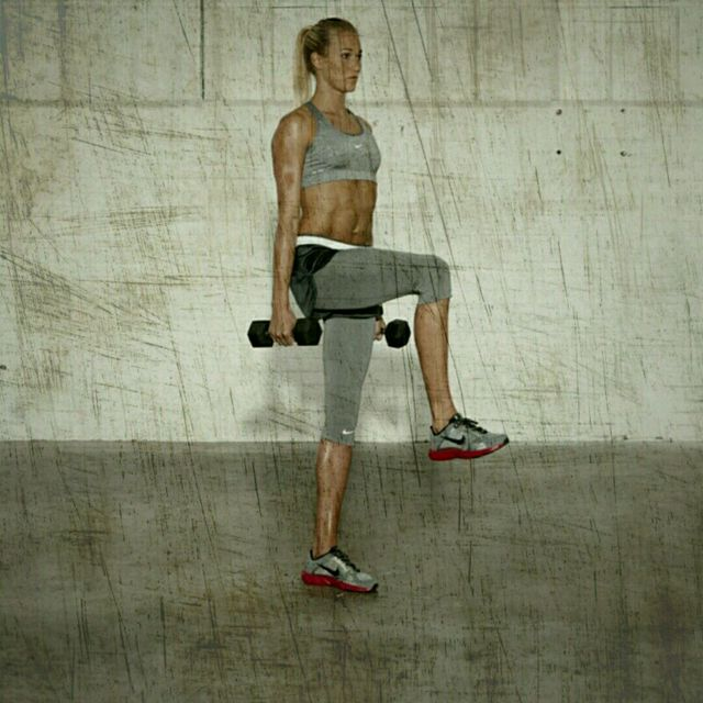 How to do: Balance Deadlift Dumbell Row - Step 4