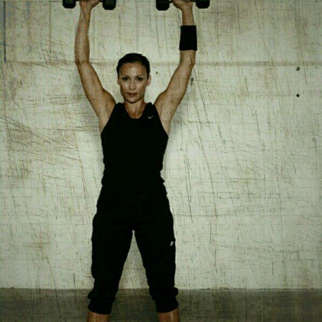 How to do: Shoulder Press - Step 3