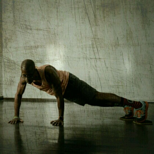 How to do: Plank Kickout Slider - Step 5