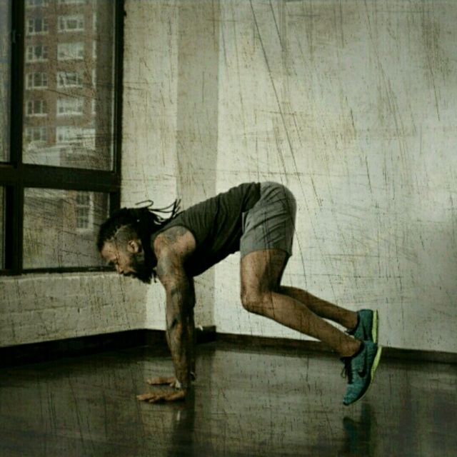 How to do: Plyo Squat Thrusters - Step 2