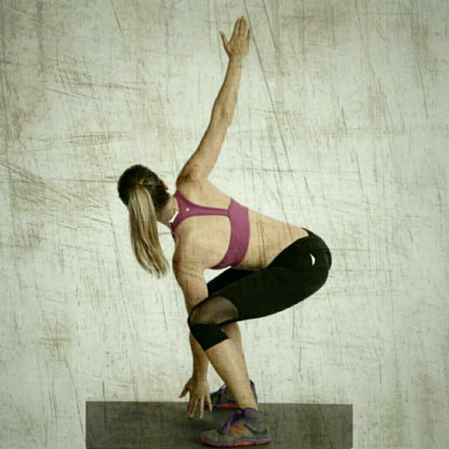 How to do: 180 Degree Jumping Squat Jacks - Step 1