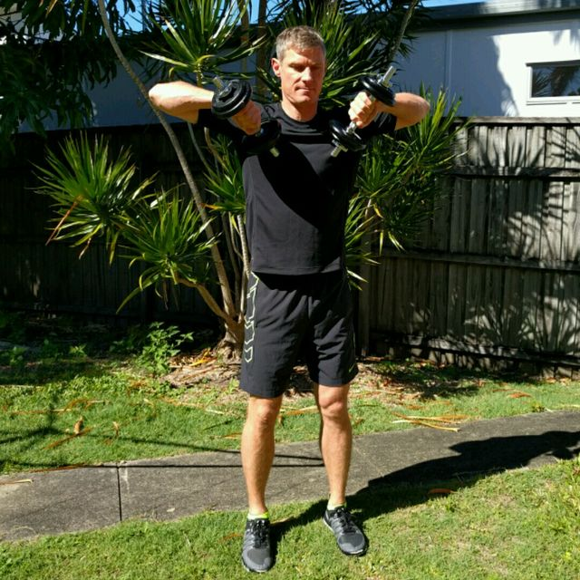 How to do: Squat Upright Row - Step 4