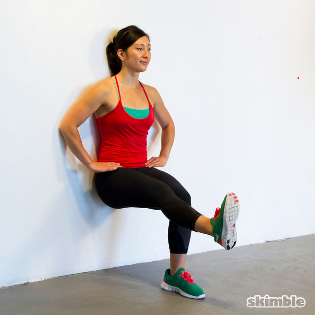 How to do: Wall Sits with Leg Lifts - Step 3