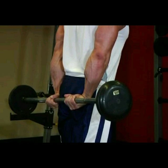 How to do: Behind the Back Barbell Wrist Curls - Step 1
