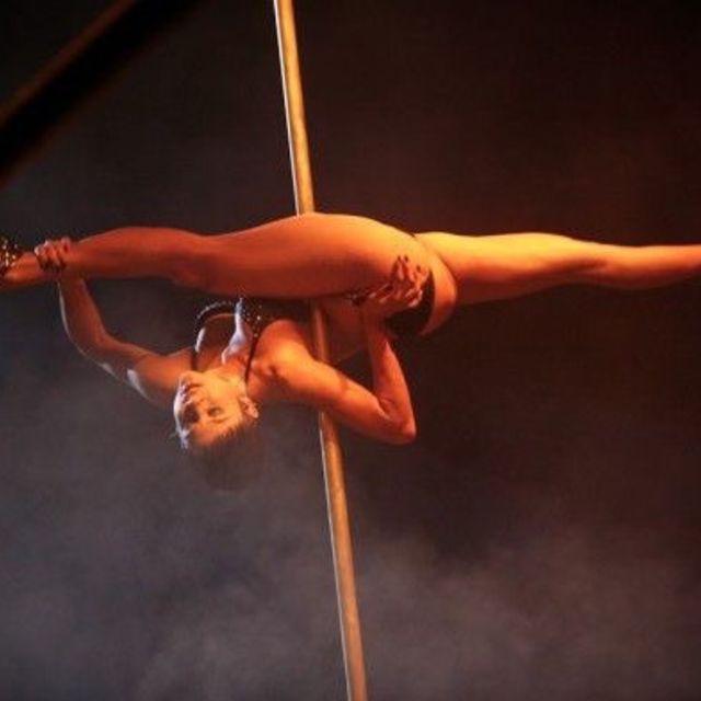 Felix Cane - Flexibility (Splits & Straddles)