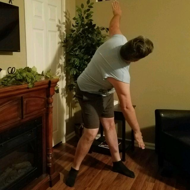 How to do: Hand To Toe Right - Step 2