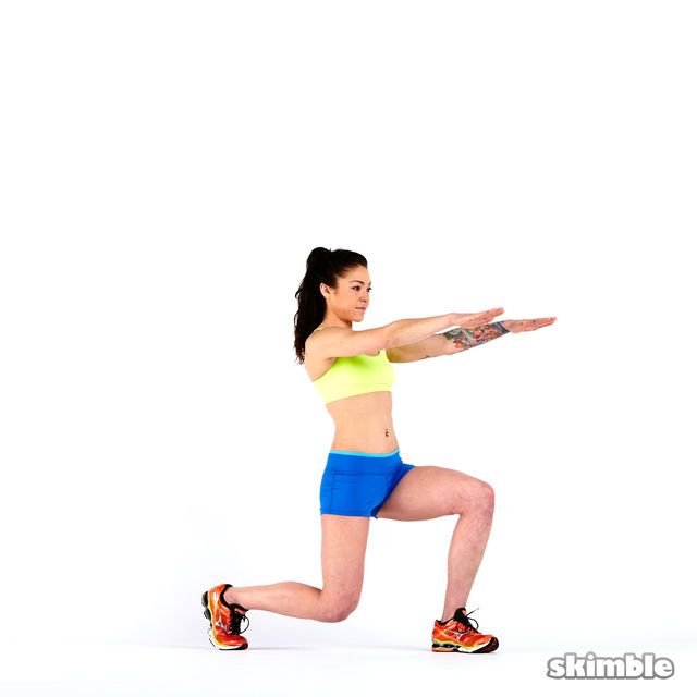 How to do: Lunges with Rotation - Step 8
