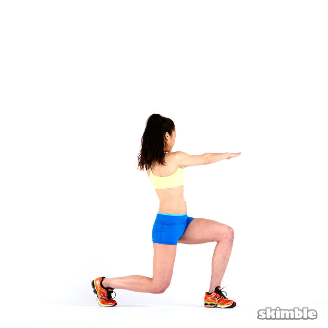 How to do: Lunges with Rotation - Step 7