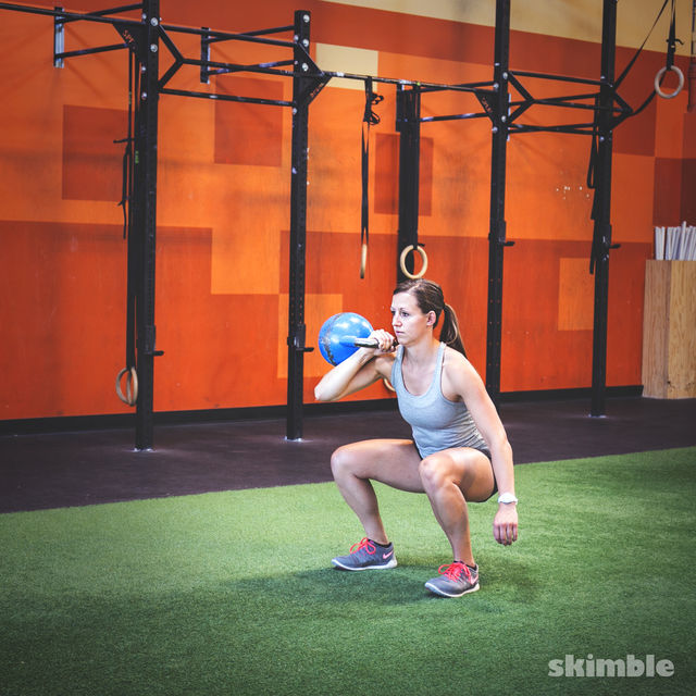 How to do: Right Kettlebell Squat Clean Thrusters - Step 2