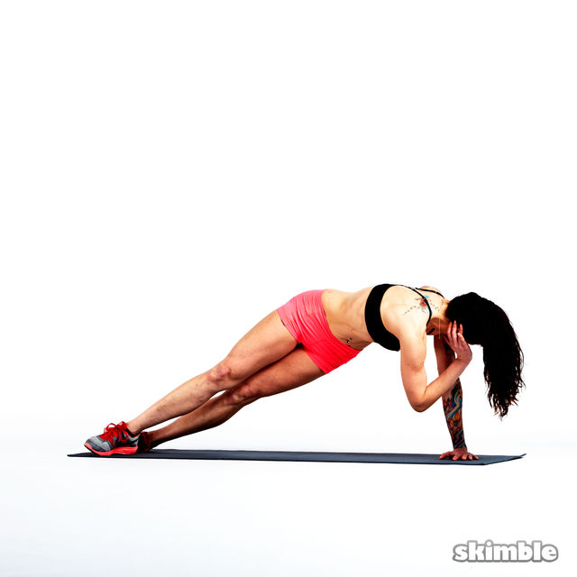 How to do: Right Side Plank Crunches - Step 4