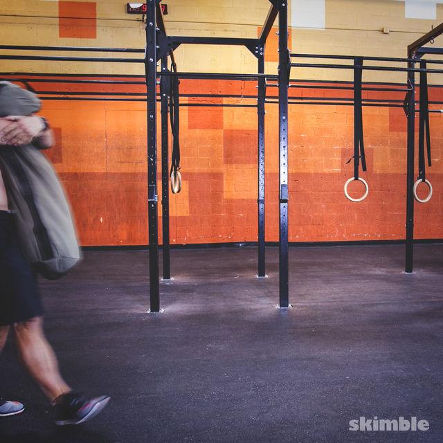 How to do: Sandbag Bear Hug Walk - Step 1