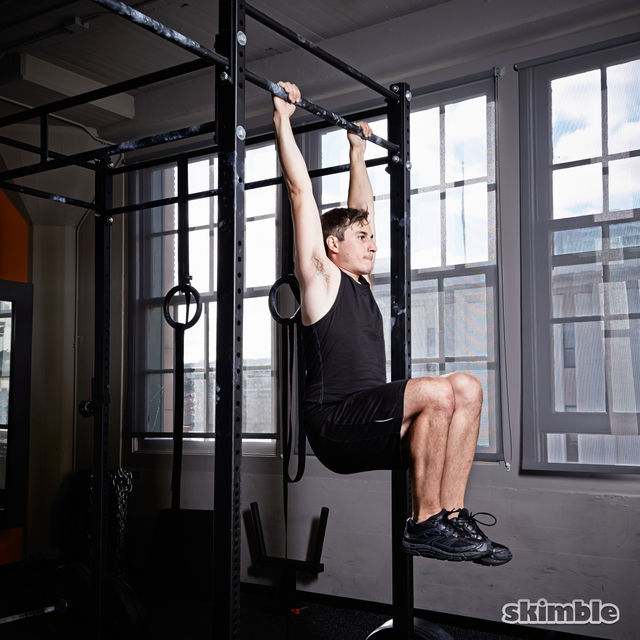 How to do: Hanging Knee Raises - Step 1