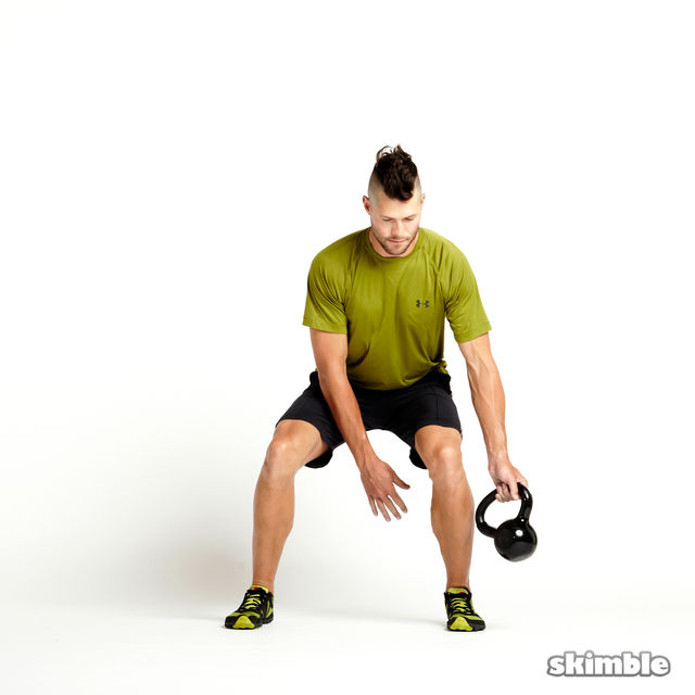 How to do: Kettlebell Figure Eights - Step 3