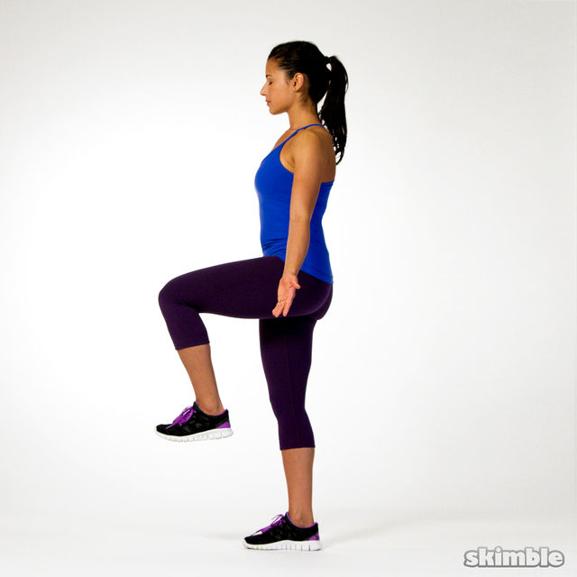 How to do: Right Leg Balance with Eyes Closed - Step 2
