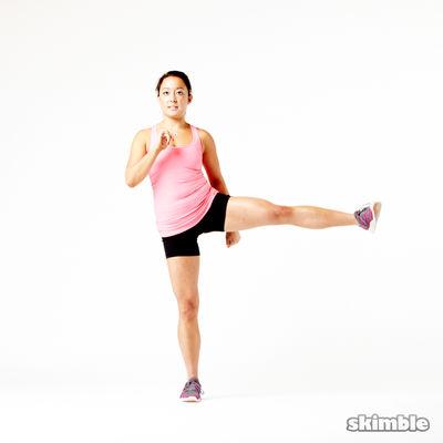 Balanceo de lado a lado de la pierna izquierda