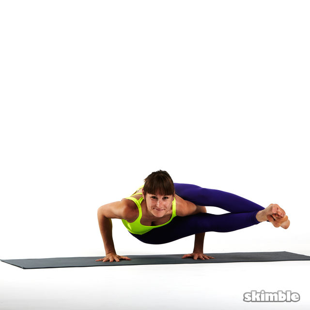 How to do: Left Eight-Angle Pose - Step 2