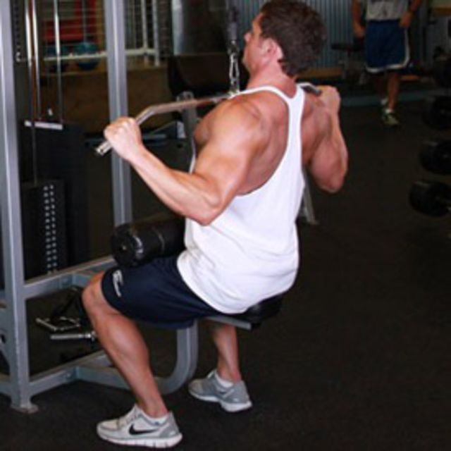 How to do: Widegrip Lateral Pulldown - Step 2