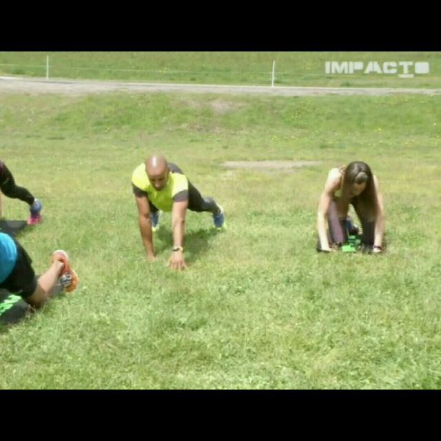 How to do: Plank Hands Out - Step 6