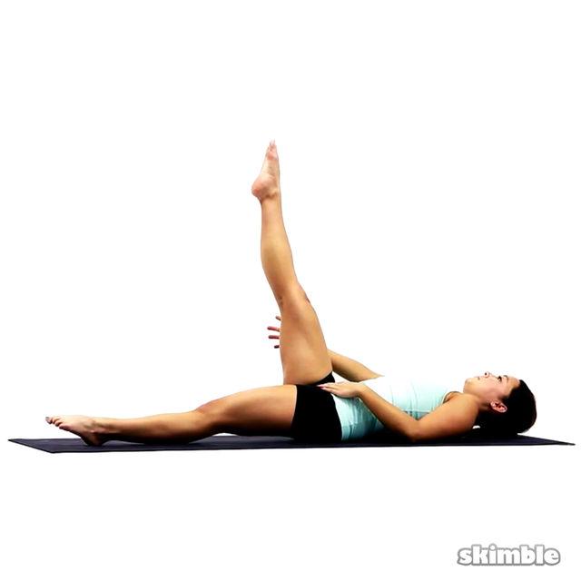 How to do: Pilates Right Leg Climbs - Step 1