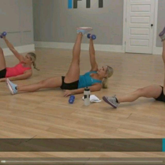 How to do: Diagonal Crunch - Step 2