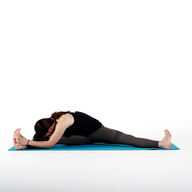 How to do: Wide Leg Stretches - Step 2