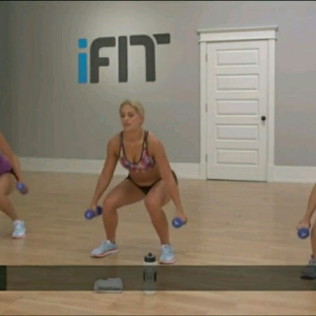 How to do: Squat Twist Plus Punch - Step 3