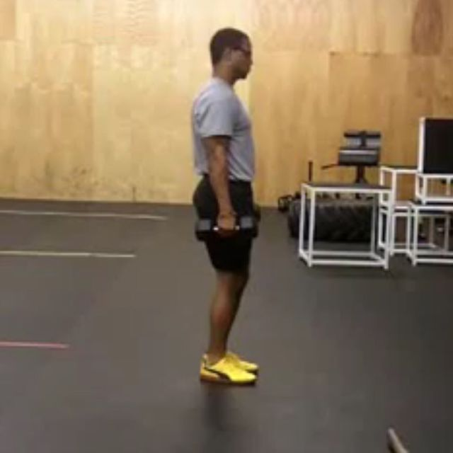 How to do: Dumbbell Reverse Lunge - Step 1