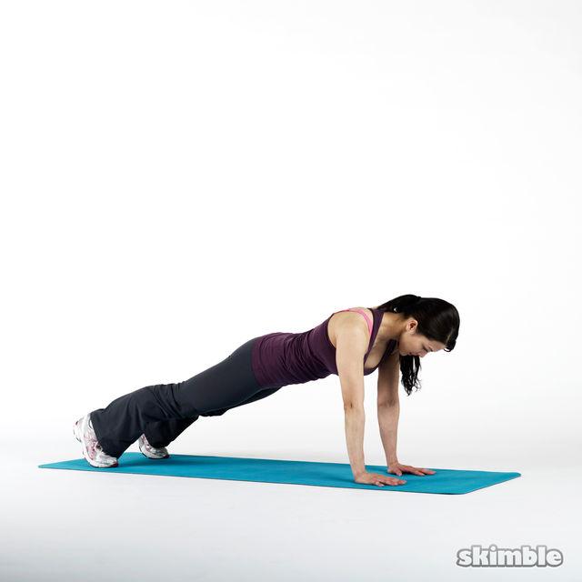 How to do: Plank Bird Dog - Step 2