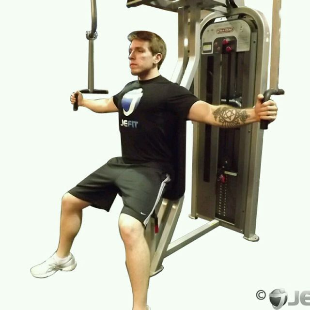 How to do: Machine Chest Fly - Step 1