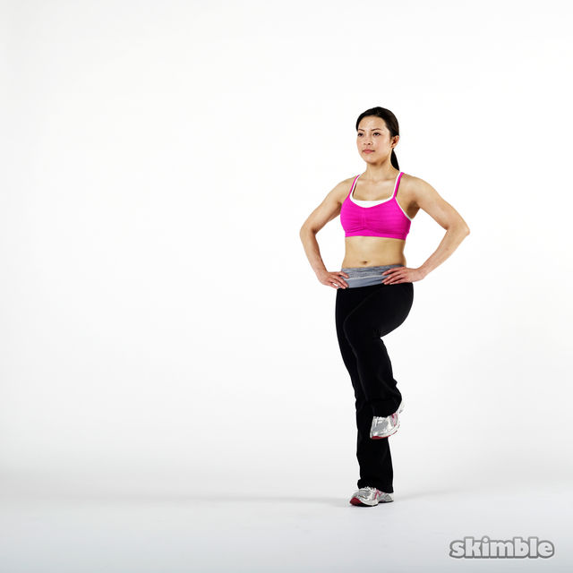 How to do: Left Leg Front-and-Back Lunges - Step 1