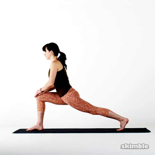 How to do: Crescent to Right Low Lunge - Step 2