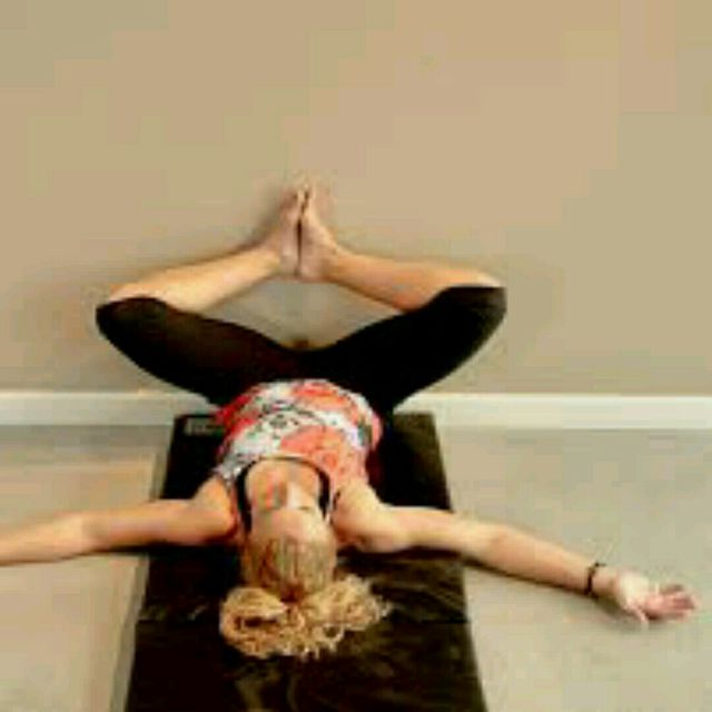 How to do: Groin Stretch - Step 1