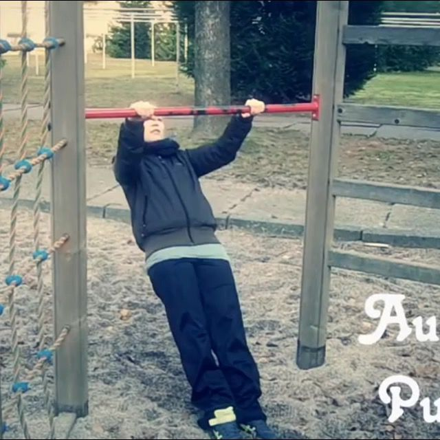 How to do: Australian Pull Up's - Step 1