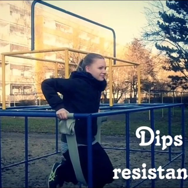 How to do: Dips With Resistance Band - Step 2