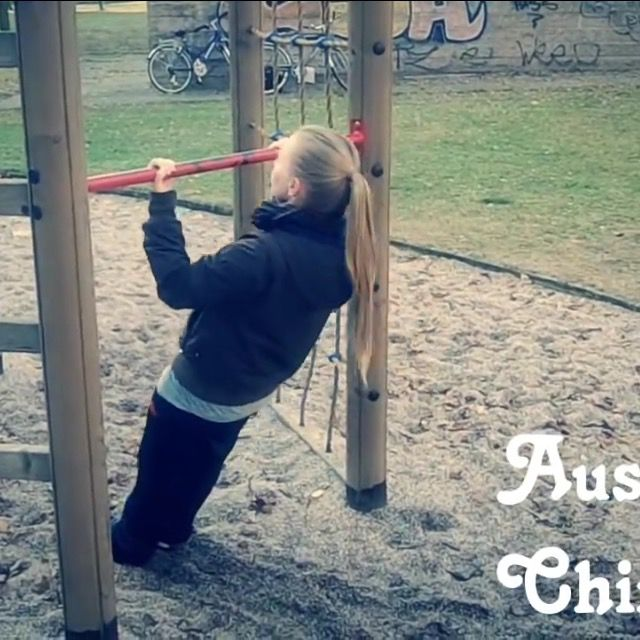 How to do: Australian Chin Up's - Step 1