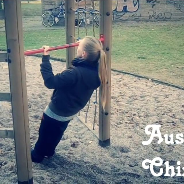 How to do: Australian Chin Up's - Step 3