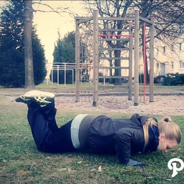 How to do: Knee Push Up's - Step 2