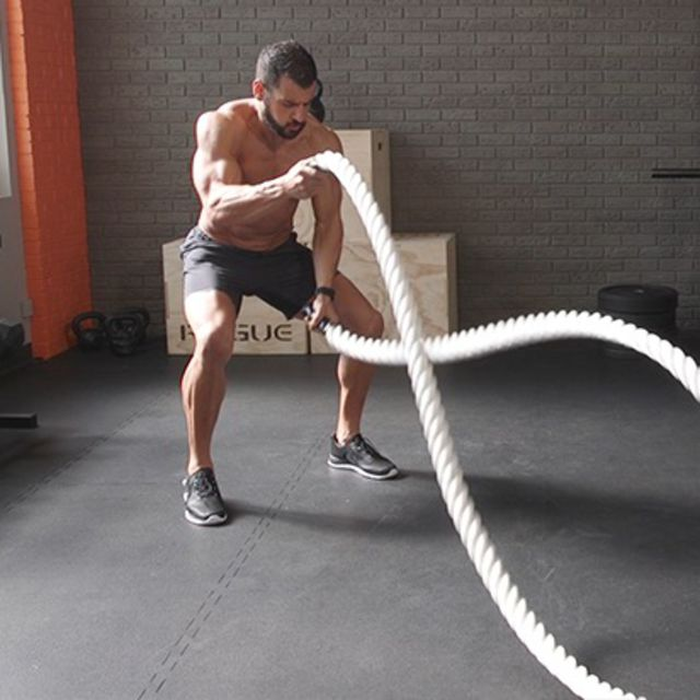 How to do: Battle Ropes - Step 1