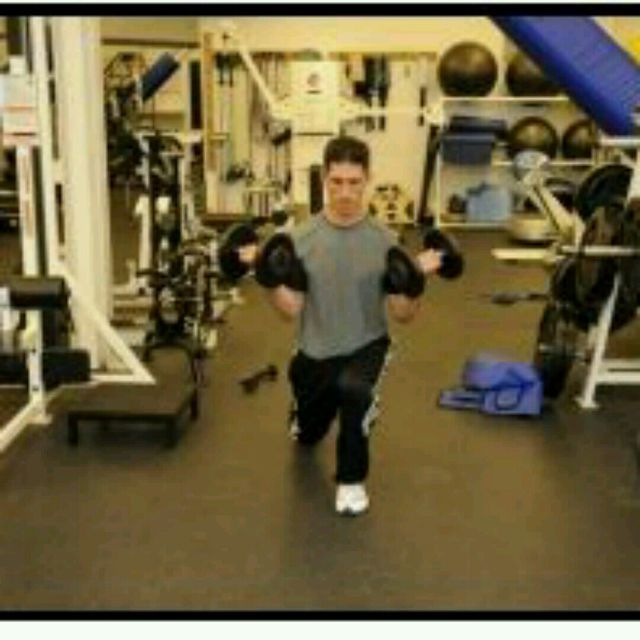 How to do: Reverse Lunge Curls - Step 2