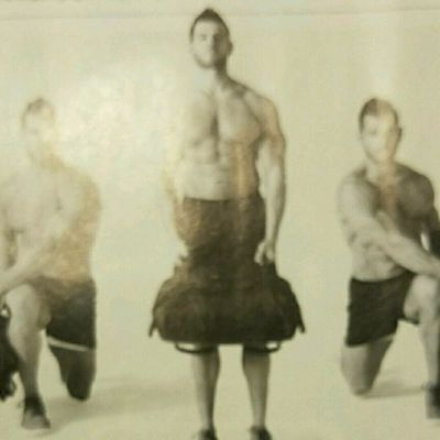 Sandbag Reverse Lunge With Rotation