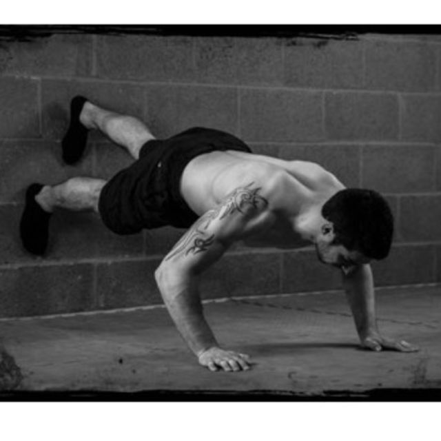 How to do: Wall  Push-ups - Step 1