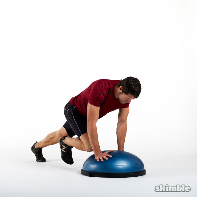 How to do: BOSU Mountain Climbers - Step 4