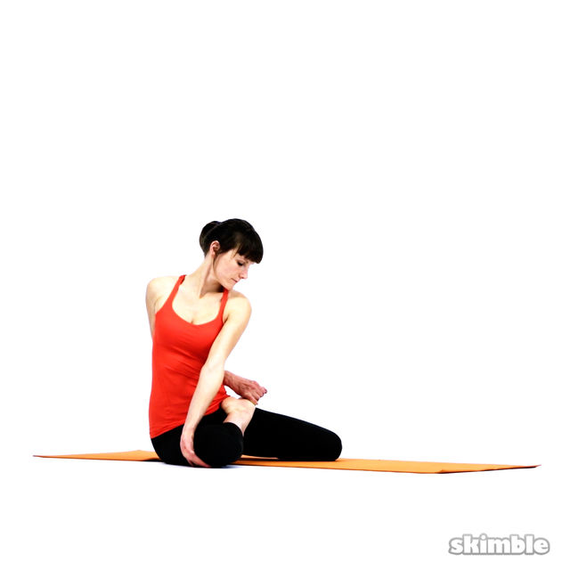 How to do: Bharadvaja's Twist - Step 6