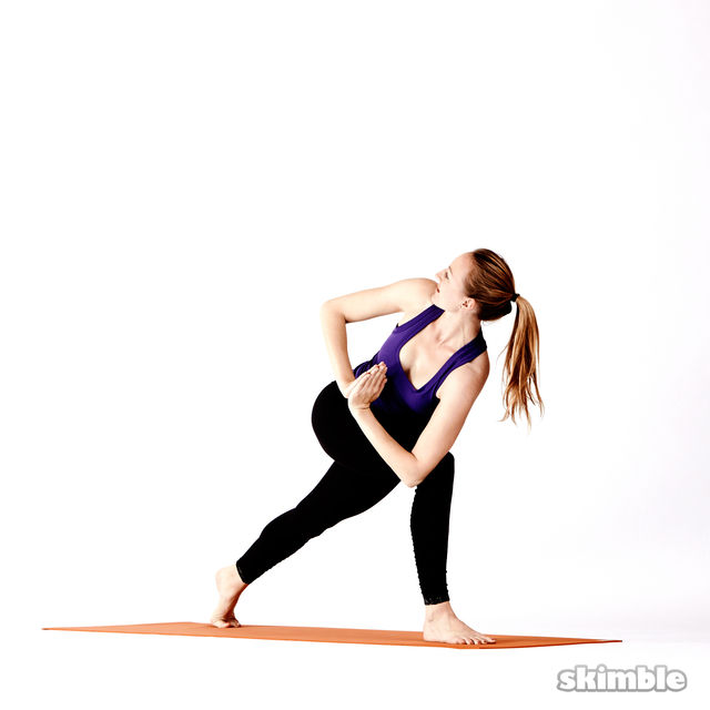 How to do: Twisting High Lunges - Step 5
