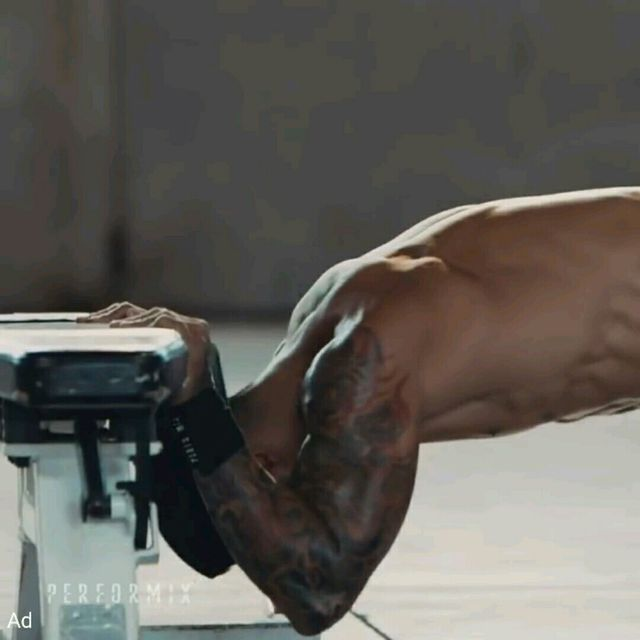 How to do: Body Tricep Press - Step 1