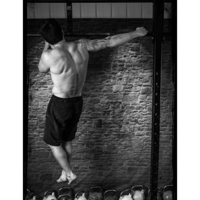 How to do: Climber Pull-up - Step 1